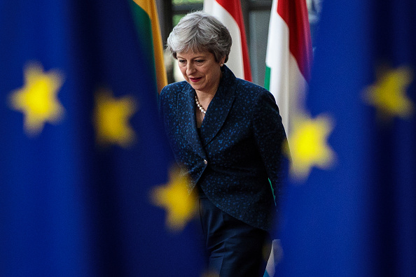 Brexit: Theresa May wins support of cabinet for draft European Union  divorce deal