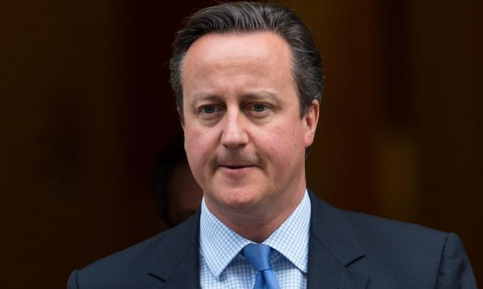 Government refugee U-turn: David Cameron should NOT be criticised for reversing original decision