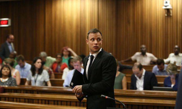 'It appeared as slightly desperate attempt', says South African journalist on Oscar Pistorius walking on stumps in court