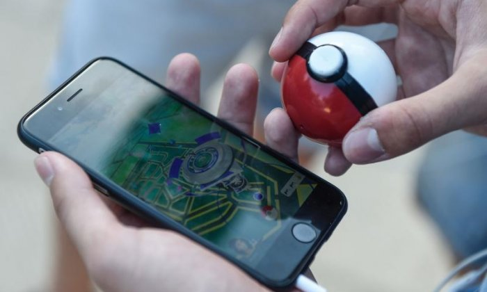 'You realise how ridiculous the whole thing is', says the man who played Pokémon Go without a phone