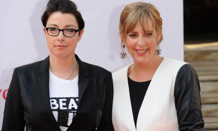 'Extravagant clamping with Paul Hollywood' - Twitter reacts to Mel and Sue leaving The Great British Bake Off