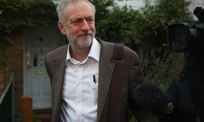 Twitter praise Jeremy Corbyn after top PMQs performance