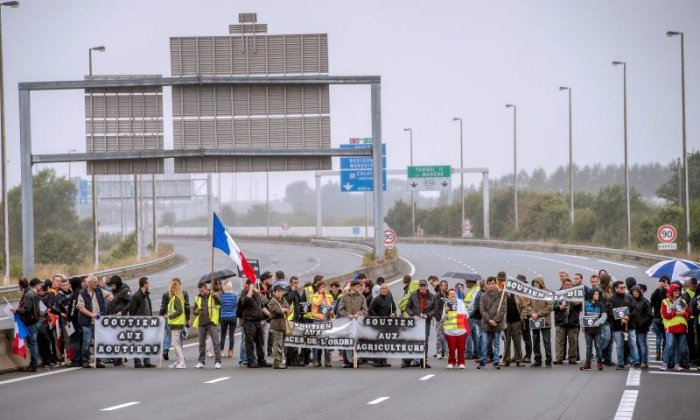 Protesters block the A16 road