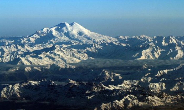 Climbers discover a lost dog found at the summit of Mount Elbrus