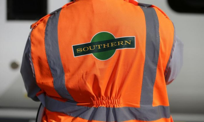 Southern Rail urges RMT to have a referendum on the role of conductors