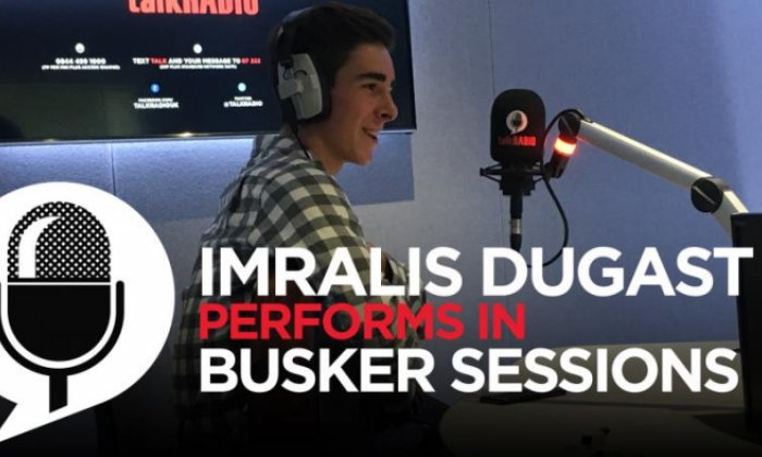 Imralis Dugast performs for Jon Holmes live in Busker Sessions