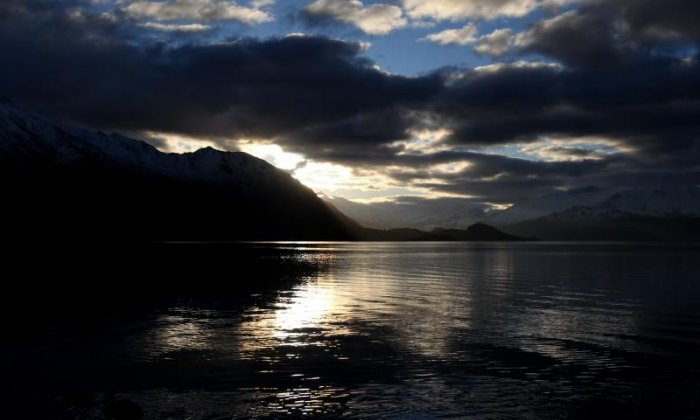 Hydrothermal eruption reaching heights of 30 metres shocks residents in New Zealand