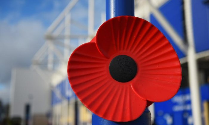 'Football players should wear poppies and accept the sanctions', says former sports minister