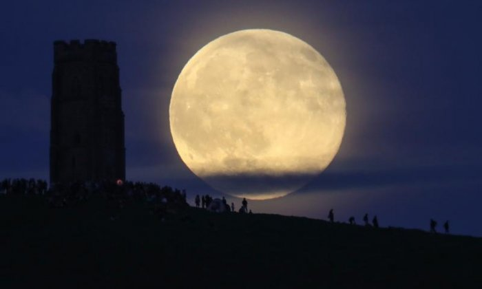 The Big Debate on the Moon: 'We should crush the moon into dust and build a pub'