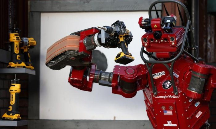 Robot kill switch: 'We're at the point where we have to consider this', says futurologist