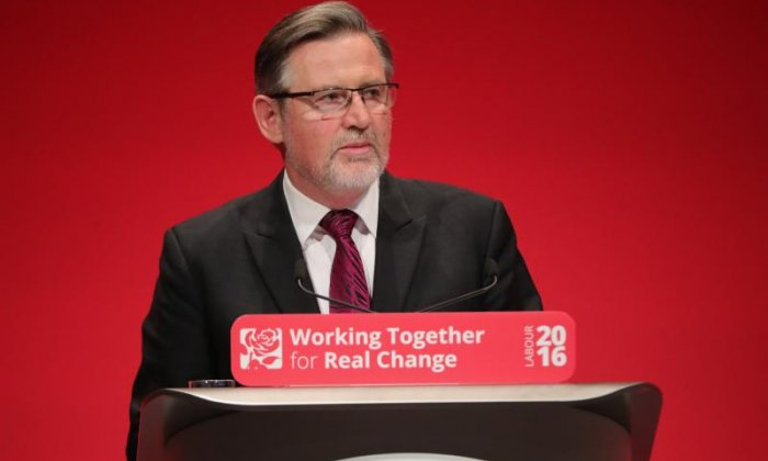 Julia Hartley-Brewer challenges Barry Gardiner over the Labour Party Brexit plans