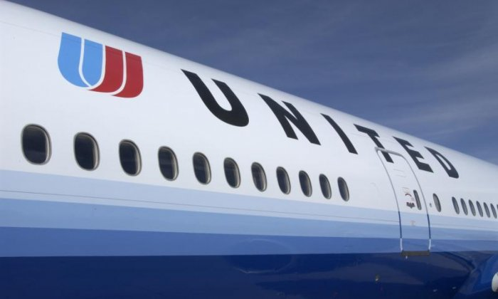United Airlines in sexism row after girls in leggings barred from flight