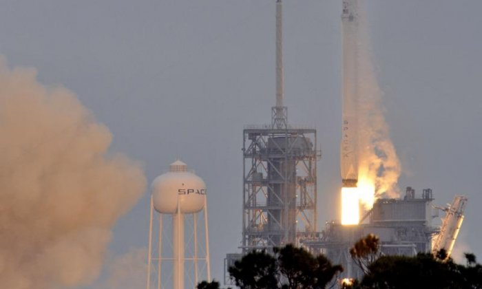 SpaceX set to launch rocket on Thursday, after delaying mission due to high winds