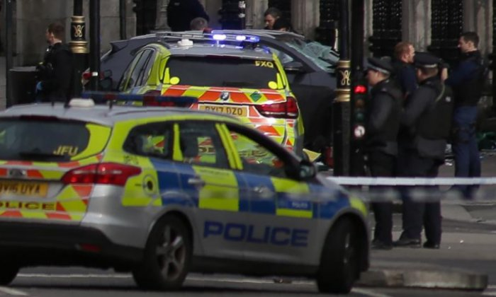 Policeman treated for injuries on Westminster Bridge