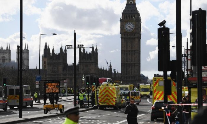 Westminster attack: 'The attacker ran towards Parliament holding a large kitchen knife above his head', says eyewitness