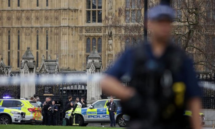 Westminster: 'Attacker didn't stop when police officers challenged him', says eyewitness Quentin Letts