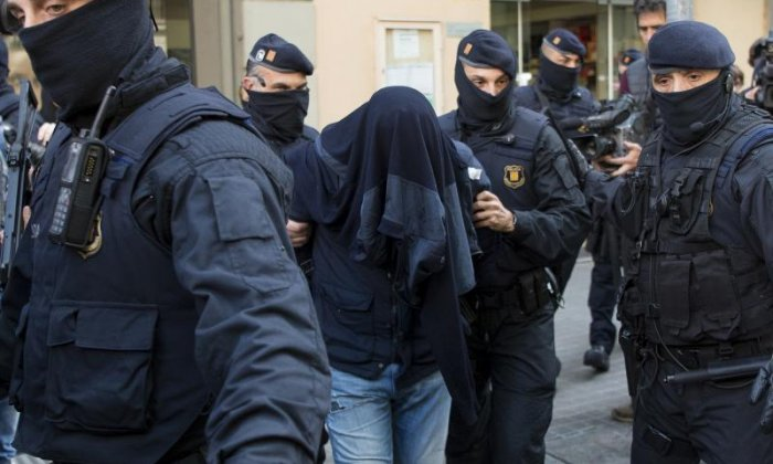 Spanish police arrest eight suspected jihadists with links to Brussels bombings
