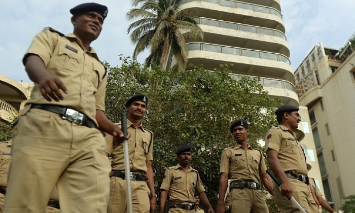 Militants throw grenade at police officers in India, injuring four