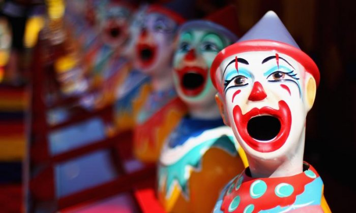 Man detained by police for selling marijuana and disguising himself as a clown