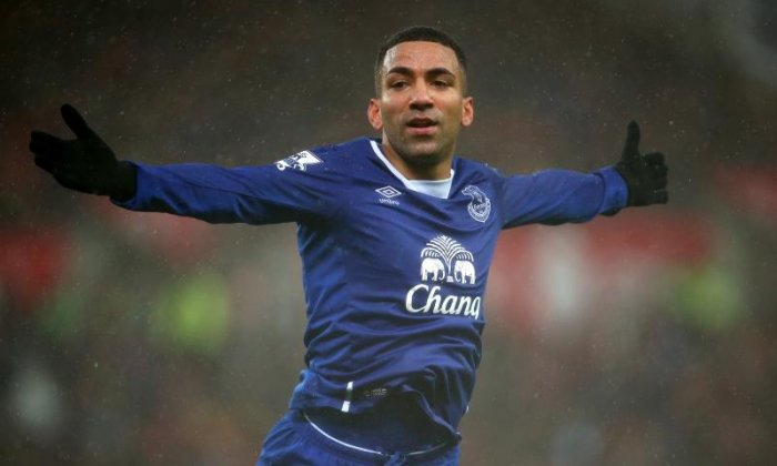 'I wish the Daily Mail a speedy demise' - Twitter blasts paper over Aaron Lennon tweet