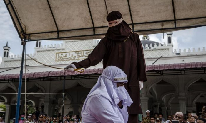 Indonesian men to receive lashes after having gay sex under sharia-inspired code