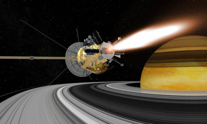 Footage released of Cassini's first dive between Saturn's rings
