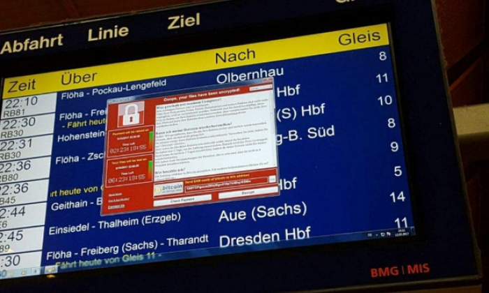 German public transport - (Credit: Twitter @ZEICHENTATEN)