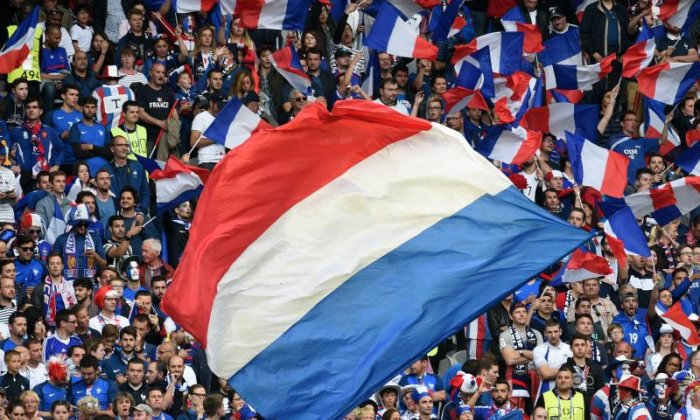 French football fans urged to sing God Save The Queen in tribute to terror attack victims