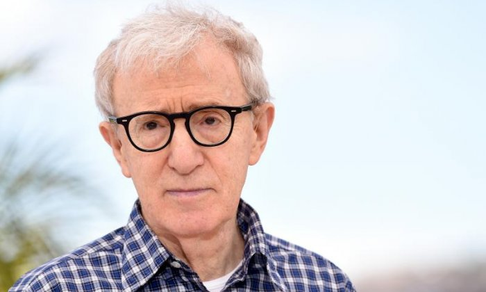 Nude women interrupt Woody Allen's recital in Hamburg, calling him a paedophile