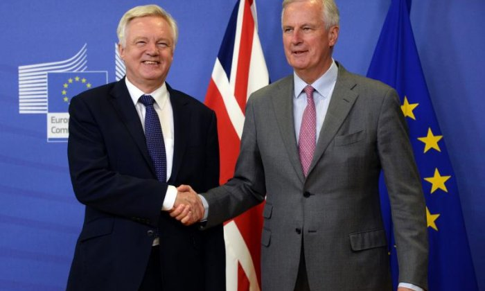 Brexit: David Davis returns to Brussels to conclude latest round of negotiations
