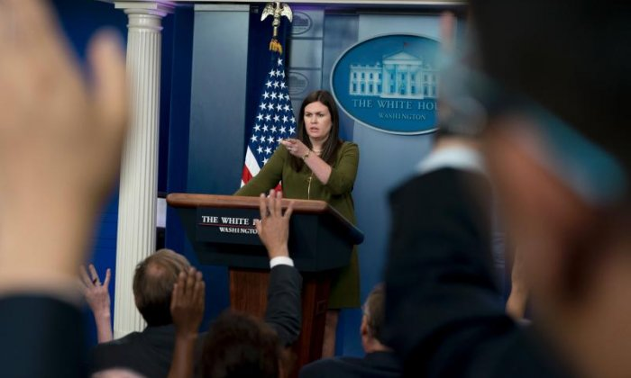 Sanders, Fox reporter exchange jabs over off-camera briefings