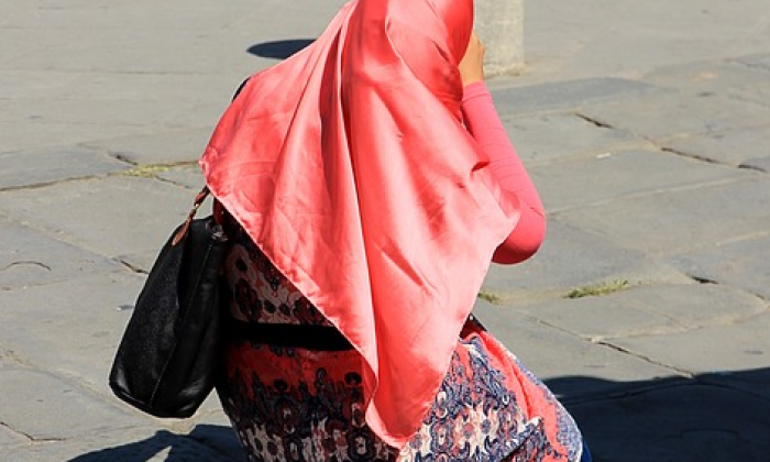Woman banned from wearing headscarf in court by German judge