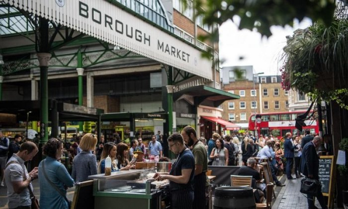 Police rush to Borough Market amid acid attack fears - three injured