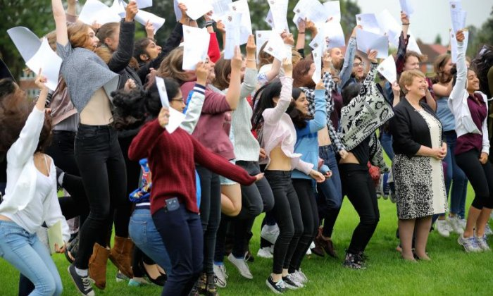 GCSE results day: Alan Sugar, Sadiq Khan and Scarlett Moffatt lead messages of support to students