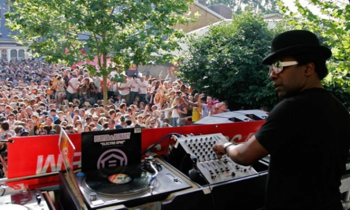 Metropolitan Police were 'misguided' in Notting Hill Carnival tweet, says DJ