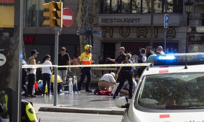 Hunt widens for Barcelona attack van driver