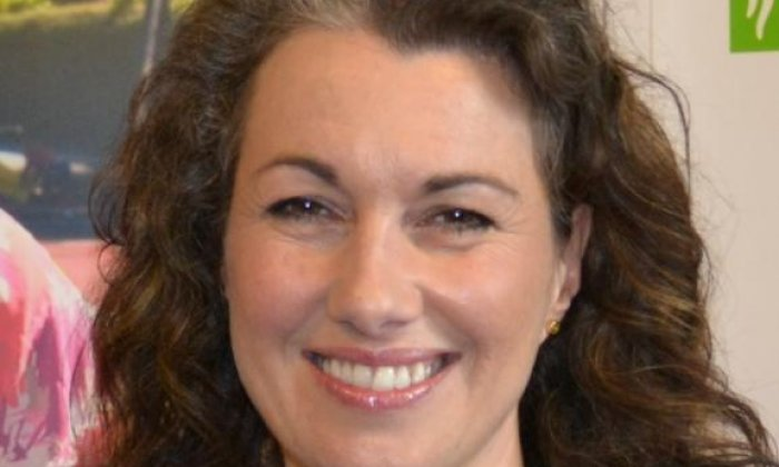 Sarah Champion quits over Sun article on