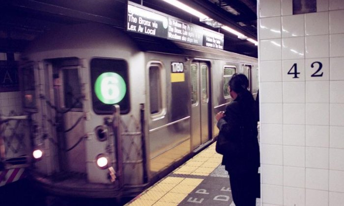 WATCH: Man clings on to side of moving subway train in New York
