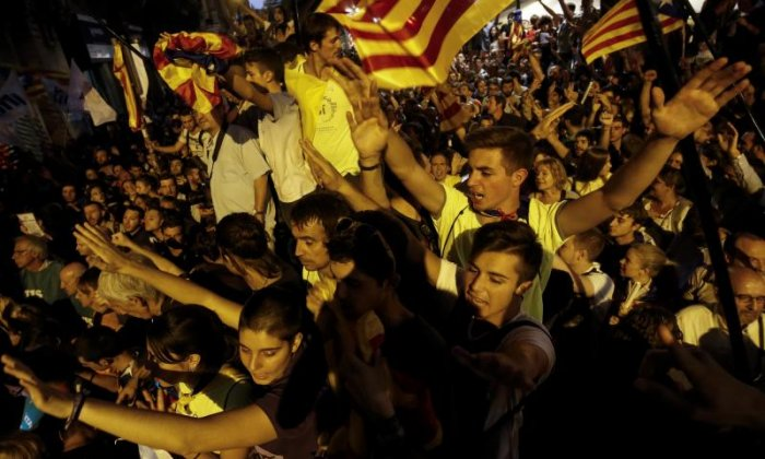 'Catalonia and the government in Madrid are headed for a big confrontation', says editor
