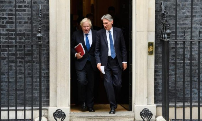 Sir Malcolm Rifkind dismisses Hammond-Johnson reports of post-election text plot to unseat Theresa May