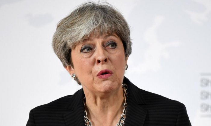 'Electrifying like a low energy light bulb' - Many left disappointed after Theresa May's Brexit speech
