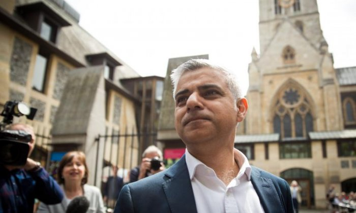 Sadiq Khan suggests second vote on EU might be necessary if Parliament rejects deal