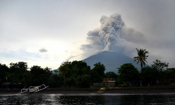 Lava avalanche from Mount Agung threatens locals who refuse to leave