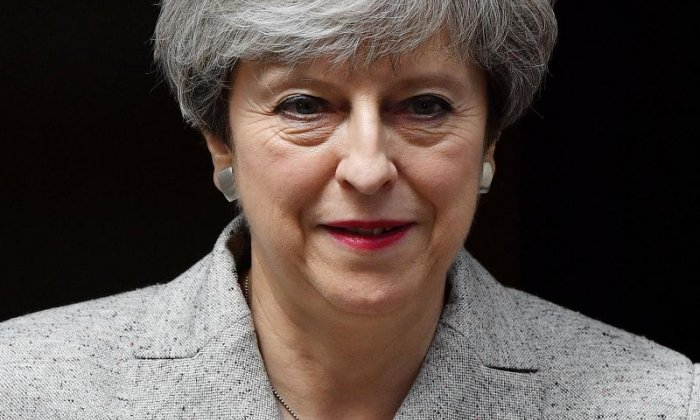 Theresa May holds talks with DUP leader Arlene Foster on Brexit Irish border issue