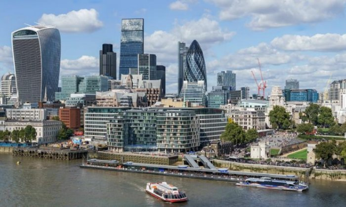 The gap between top City of London executives and ordinary people is unacceptable, says Wanda Wyporska