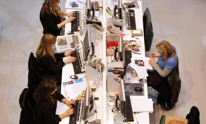 Unemployment falls to 1.44m in the three months to November