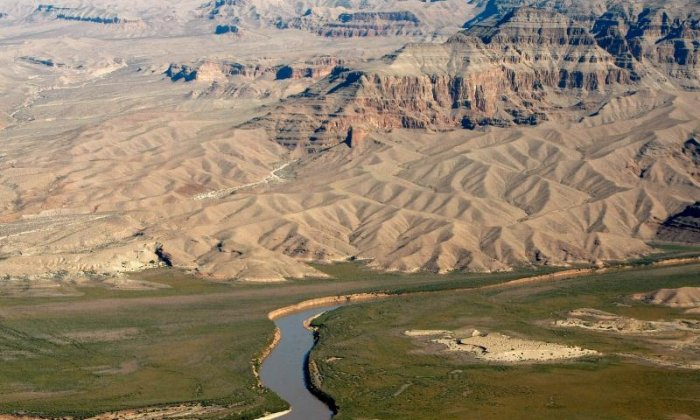 Helicopter crashes in Grand Canyon, killing three vacationers
