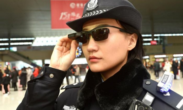 Chinese police don high-tech glasses to nab suspects