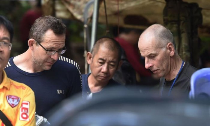 Calls for British divers who helped rescue trapped Thai boys to be honoured