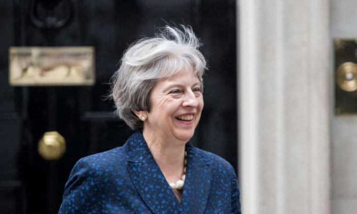 No vote of no confidence in Theresa May after Brexit resignations